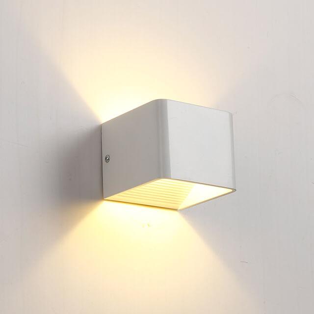 תאורה צמוד קיר דגם אפ דאון מרובע 5W